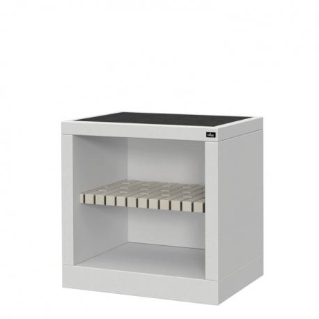 Bancada de granito Estepona, con estante en hormigón negro