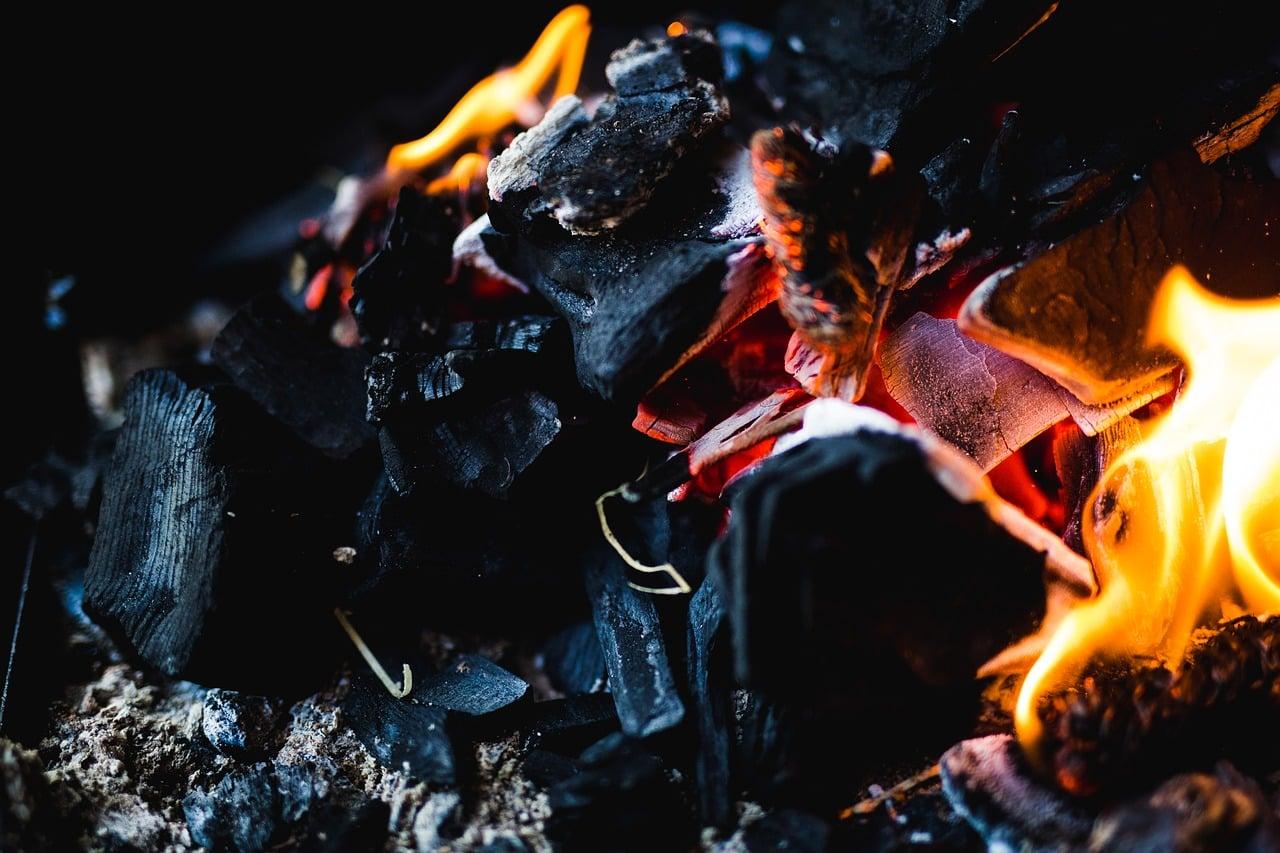 carbon-ardiendo.jpg
