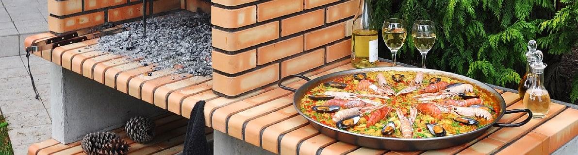 Paella en barbacoa de obra Movelar